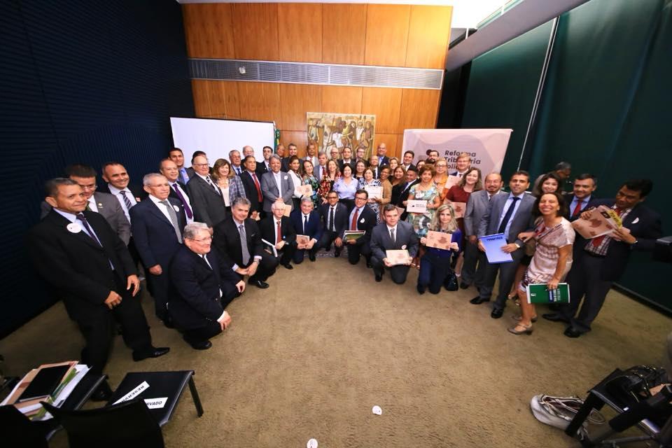 """Sindaftema participa de lançamento do manifesto """"Reforma Tributária Solidária"""", realizado na Câmara dos Deputados."""