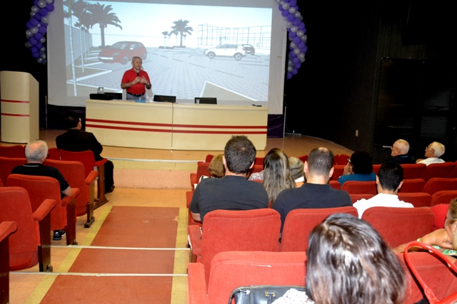 Filiados deliberam ações para melhoria da sede social do Sindaftema durante assembleia geral.